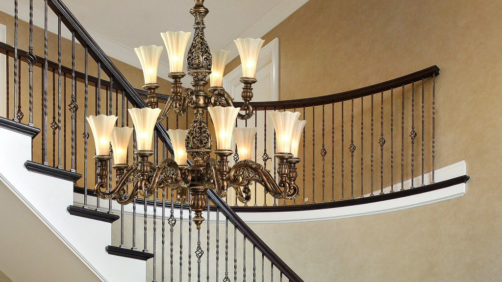 Light Your Staircase Using Chandeliers the Right Way Using These Tips